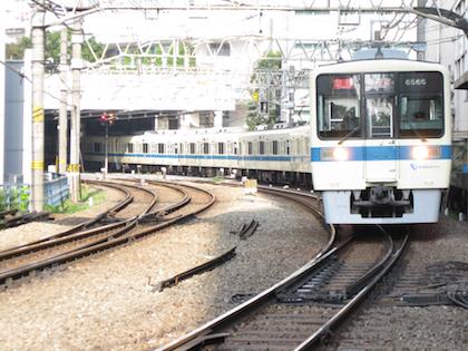 小田急電鉄.jpg